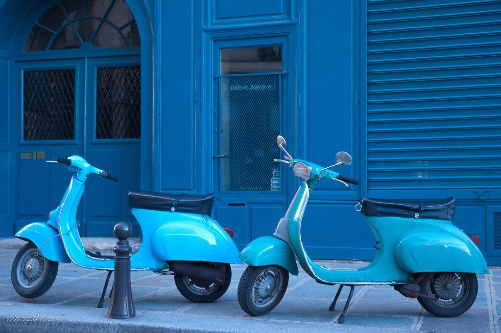 photos-paris-scooters-bleu