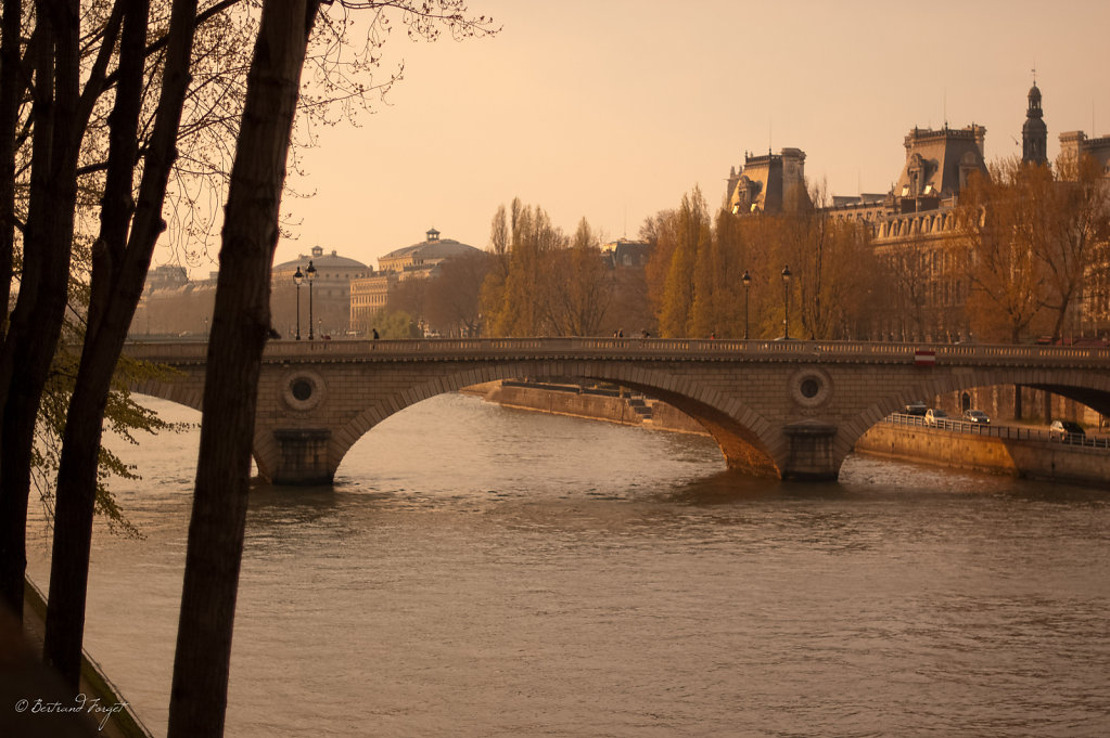 photos-paris-quai-seine-coucher-soleil.jpg