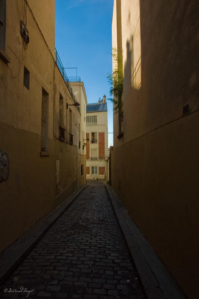 photos-paris-monmartre-rue-lepic.jpg