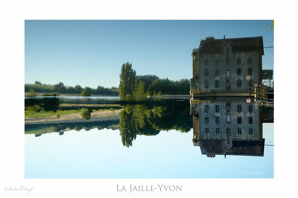 Barage sur la Mayenne à la Jaille-Yvon